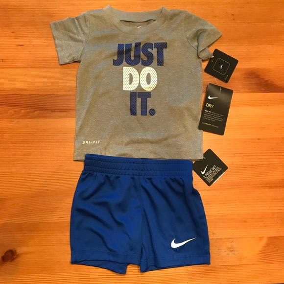online store 48e8f d4aec NWT Nike Dri-Fit 2 piece tee   shorts set in 12m